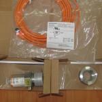 Упакованный датчик давления, вварной адаптер и кабель с разъемом