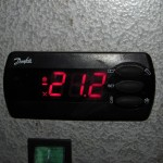 Данфосс выпускает много приборов - холодильных контроллеров